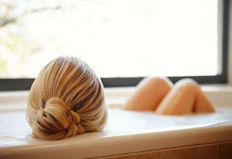 Sali Da Bagno Rilassanti : Olio da bagno e sale da bagno quale scegliere per un bagno rilassante