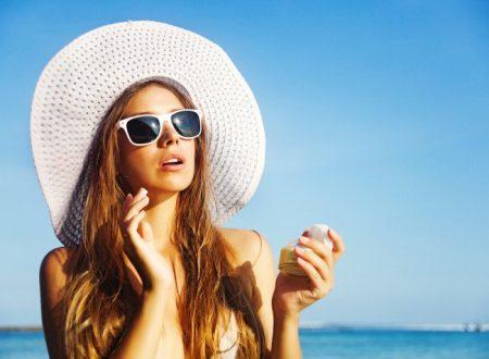 Brufoli e acne in estate: come godersi il sole senza far peggiorare le imperfezioni