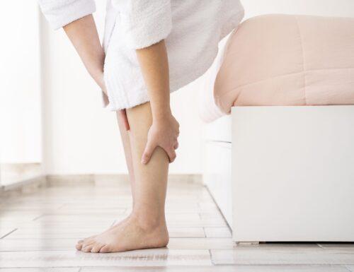 Rimedi per ridurre la sensazione di gambe pesanti in estate