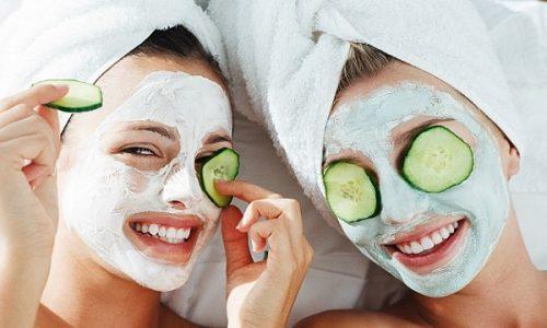 Emergenza imperfezioni: le cose da fare quando compare un brufolo sul viso