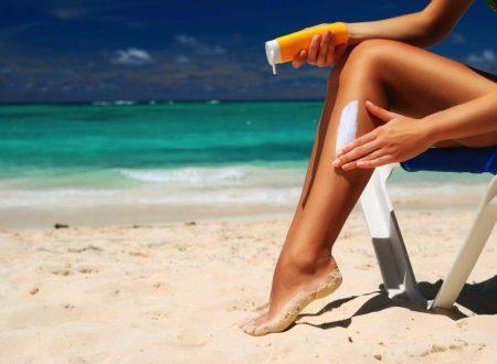 Olio, crema, gel, stick o spray: quale scegliere per proteggersi dal sole?