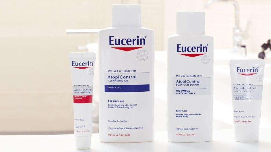 Detergenti e creme delicati per il trattamento cosmetico della dermatite atopica