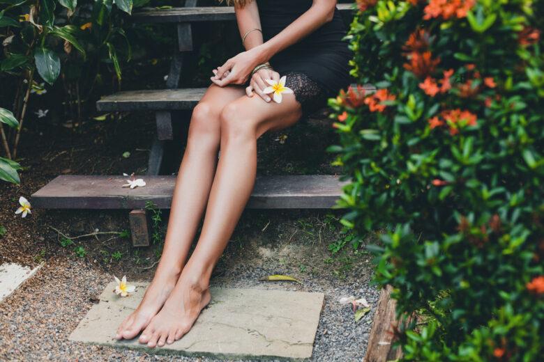 Caldo e gambe pesanti, i cosmetici da scegliere